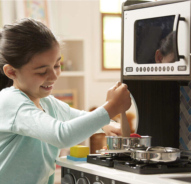 Melissa-&-Doug-Wooden-Chef's-Pretend-Play-Toy-Kitchen
