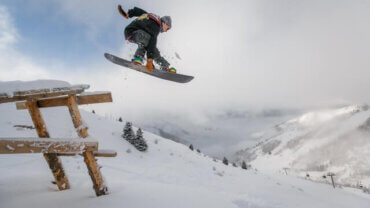 best-snowboard-bags-with-wheels-reviews